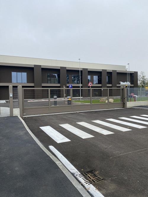 Recinzioni e cancelli Nuovadefim Orsogril per il nuovo polo logistico Makita