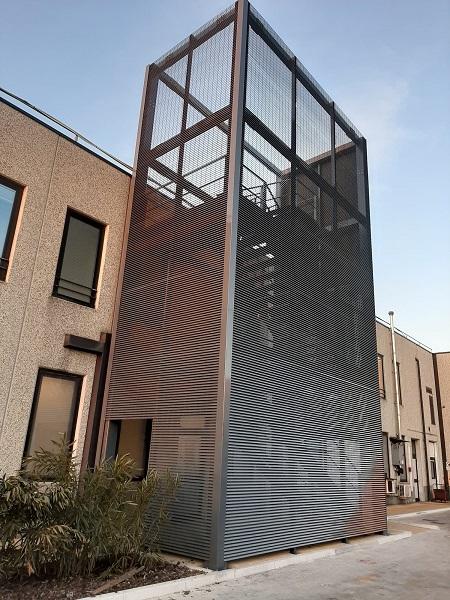 Talia di Nuova Defim Orsogril: rivestimento di facciata per scale antincendio