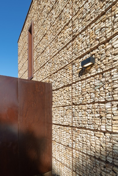 Gabbioni in COR-TEN per una casa ecologica in Spagna
