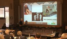Marco Confortola parla agli agenti di Nuova Defim Orsogril