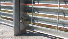 Sistema di fissaggio con bulloneria inox e antifurto della recinzione in Talia di Nuova Defim Orsogril