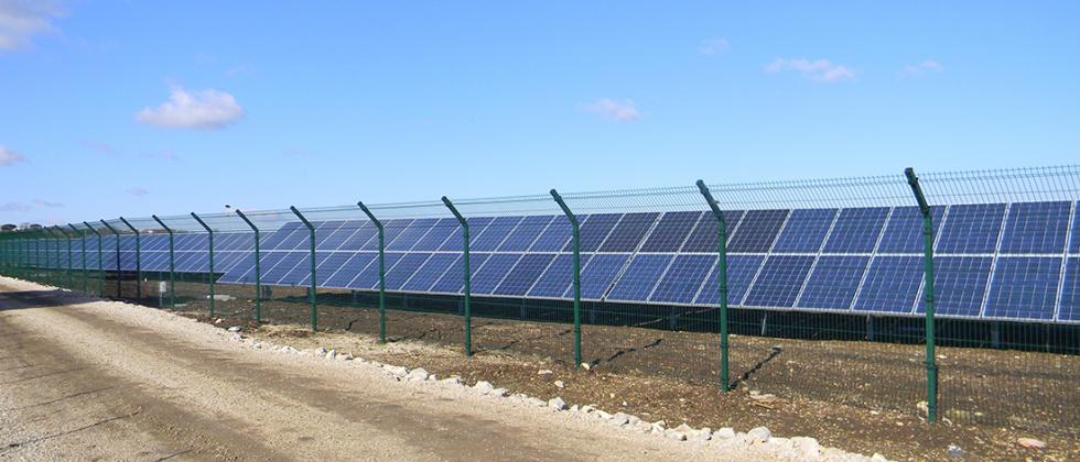 Drahtzäune für Photovoltaikanlagen: Recintha NL Young